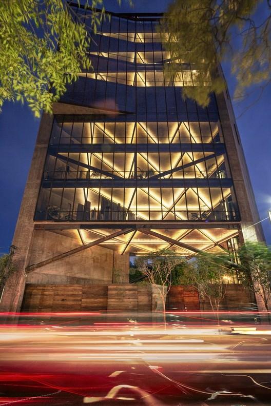 Torre 41 de Alberto Kalach entre los siete finalistas del premio MCHAP 2014/15, © Yoshihiro Koitani
