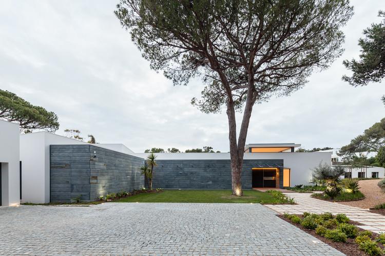 Cascais P272 / Fragmentos de Arquitectura, © Francisco Nogueira
