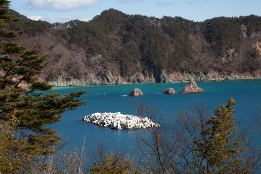 Tetra Pod / Omoe Miyako, Iwate Prefecture. Image © Max Creasy