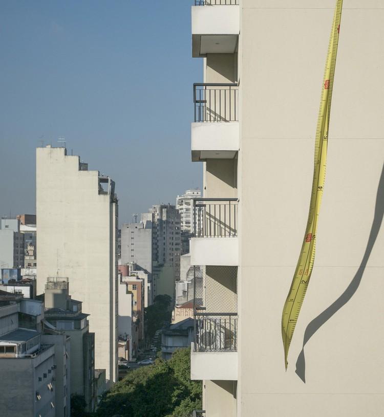 """Arte e Arquitetura: """"Escala Urbana"""" por Nitsche Projetos Visuais, Cortesia de João Nitsche"""