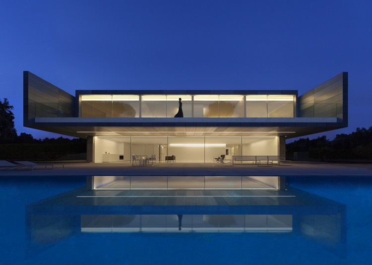 Aluminum House / Fran Silvestre Arquitectos, © Diego Opazo