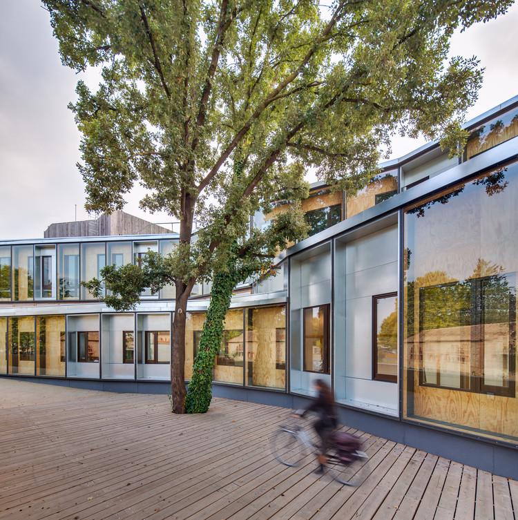 'El Roure' Community Center and 'La Ginesta' Library / Calderon-Folch-Sarsanedas Arquitectos, Courtesy of Calderon-Folch-Sarsanedas Arquitectos