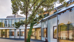 'El Roure' Community Center and 'La Ginesta' Library / Calderon-Folch-Sarsanedas Arquitectos