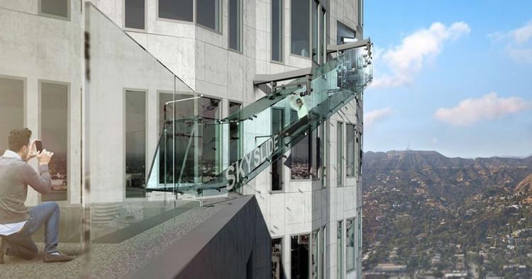 Inauguran tobogán de vidrio en rascacielos de Los Angeles, vía LA Curbed