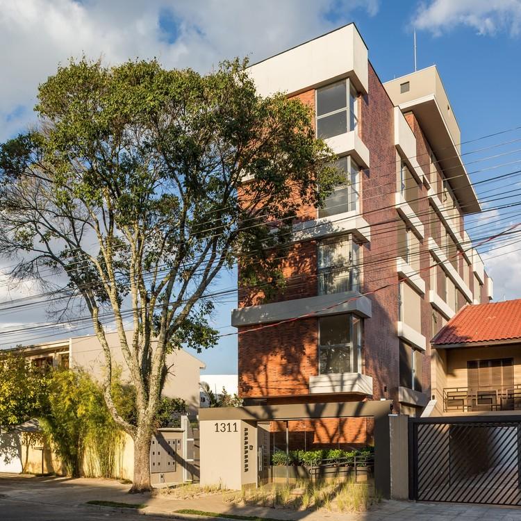 Edifício Residencial / Karin Klassen Arquitetos Associados + OSLO, © Eduardo Macarios
