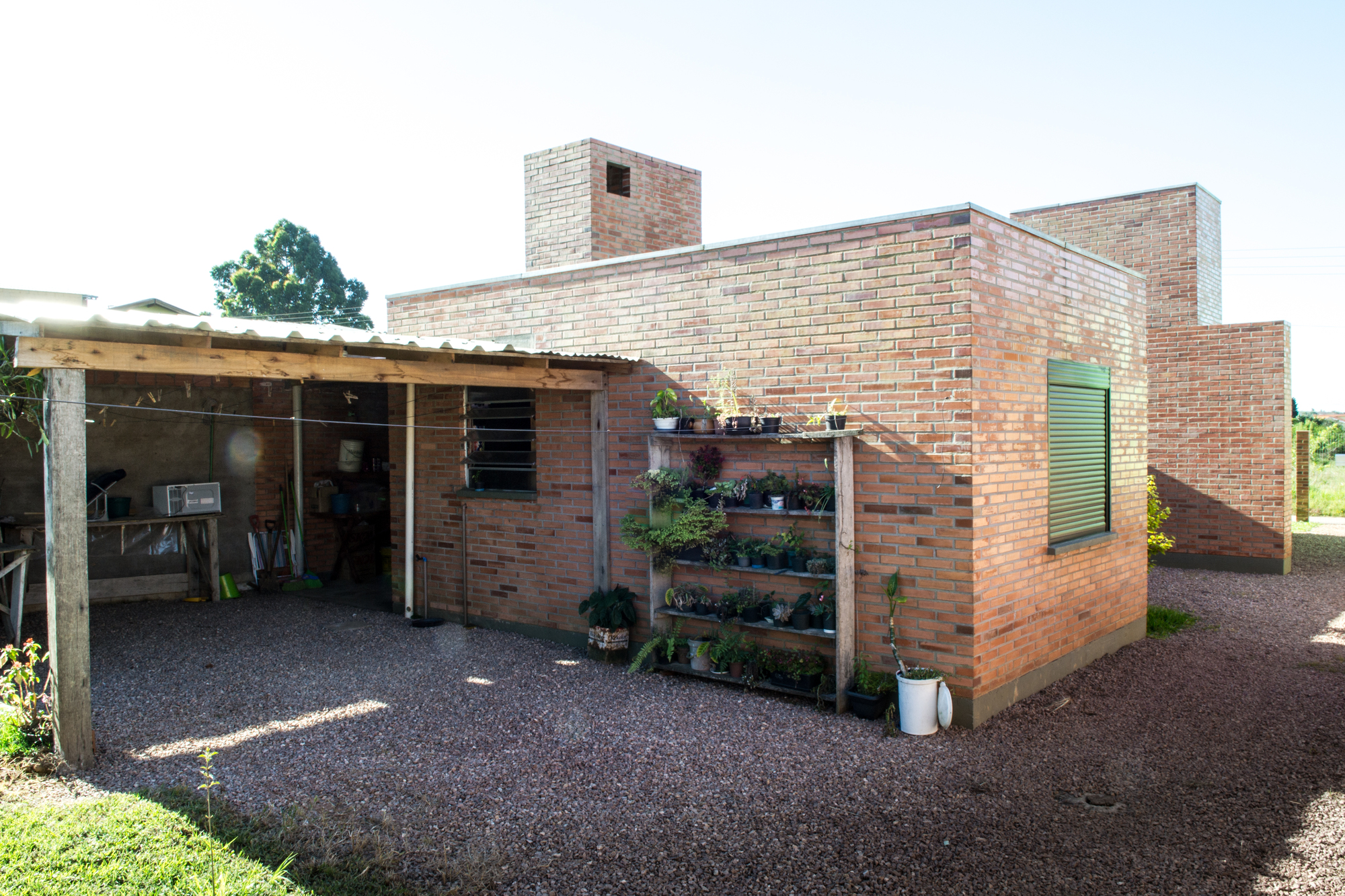 Galeria de casa calha n cleo de arquitetura experimental 9 for Casa de diseno economica