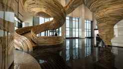 Atrium Tower Lobby  / Oded Halaf and Crafted by Tomer Gelfand