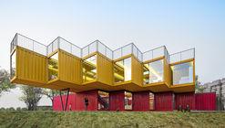Pabellón pila de contenedores / People's Architecture