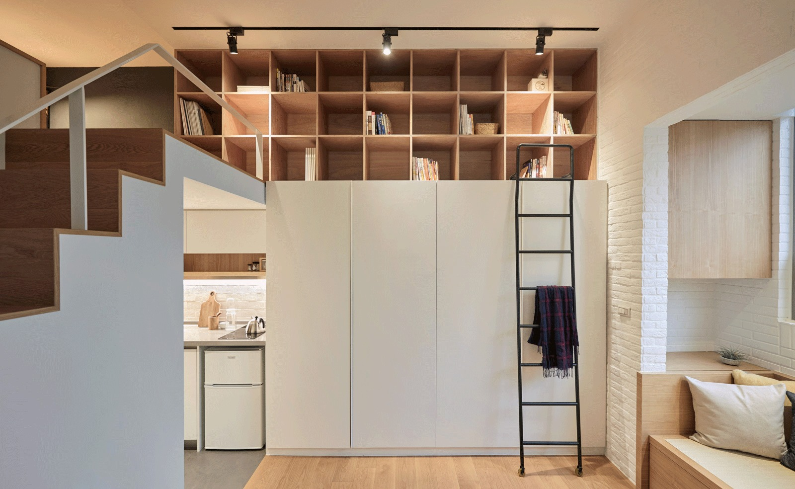 22m2 Apartment in Taiwan / A Little Design
