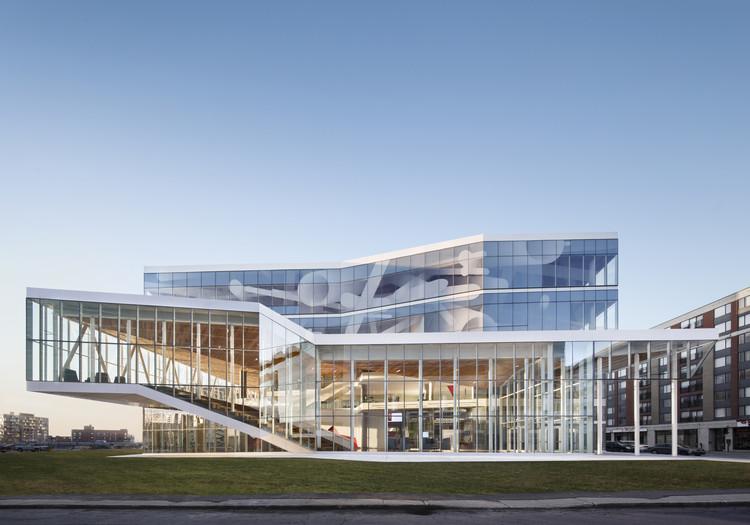 Casa de estudiantes de la ETS / Menkès Shooner Letourneaux Architectes, © Stephane Brugger