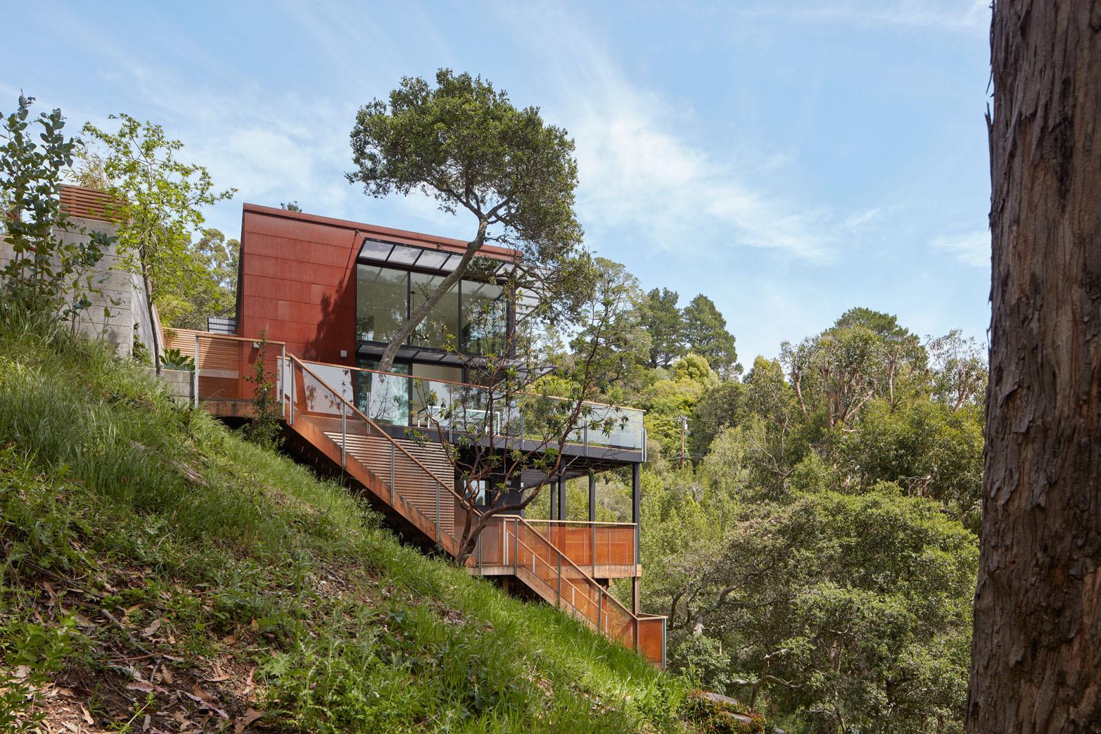 Tamalpais Residence / Zack de Vito Architecture + Construction