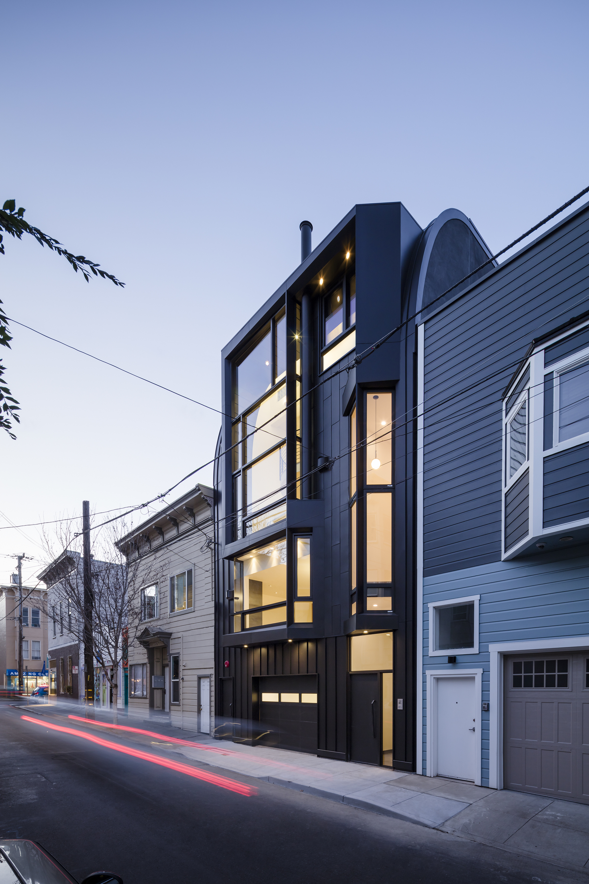Modern Architecture San Francisco black mass / stephen phillips architects | archdaily