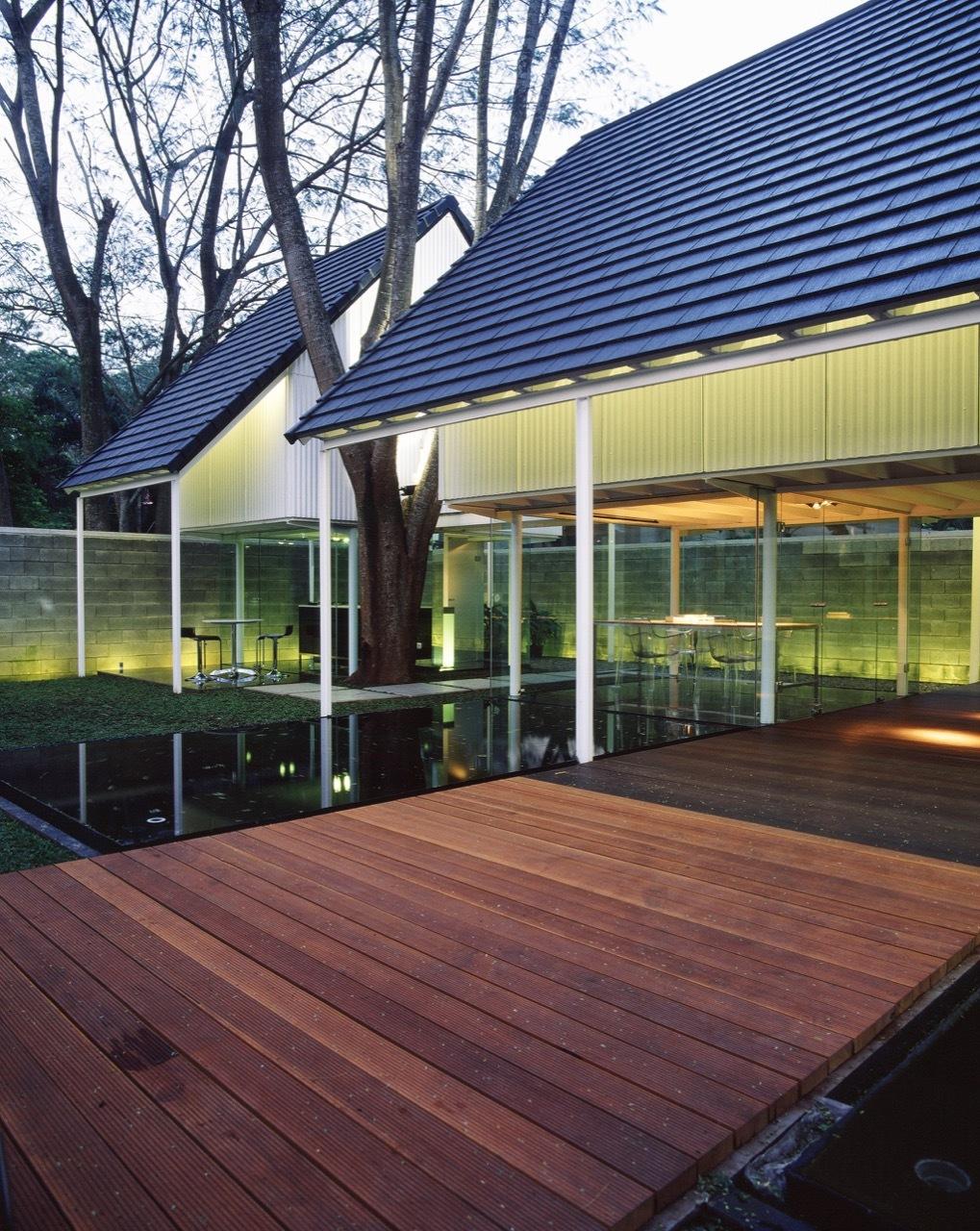 Floating Studio / Studio Air Putih | ArchDaily