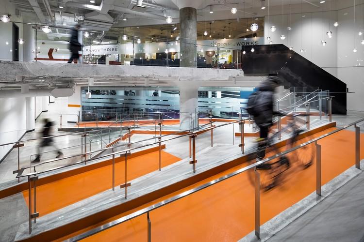 100 Broadview Lobby  / Quadrangle Architects & Interiors, © Brandon Barré