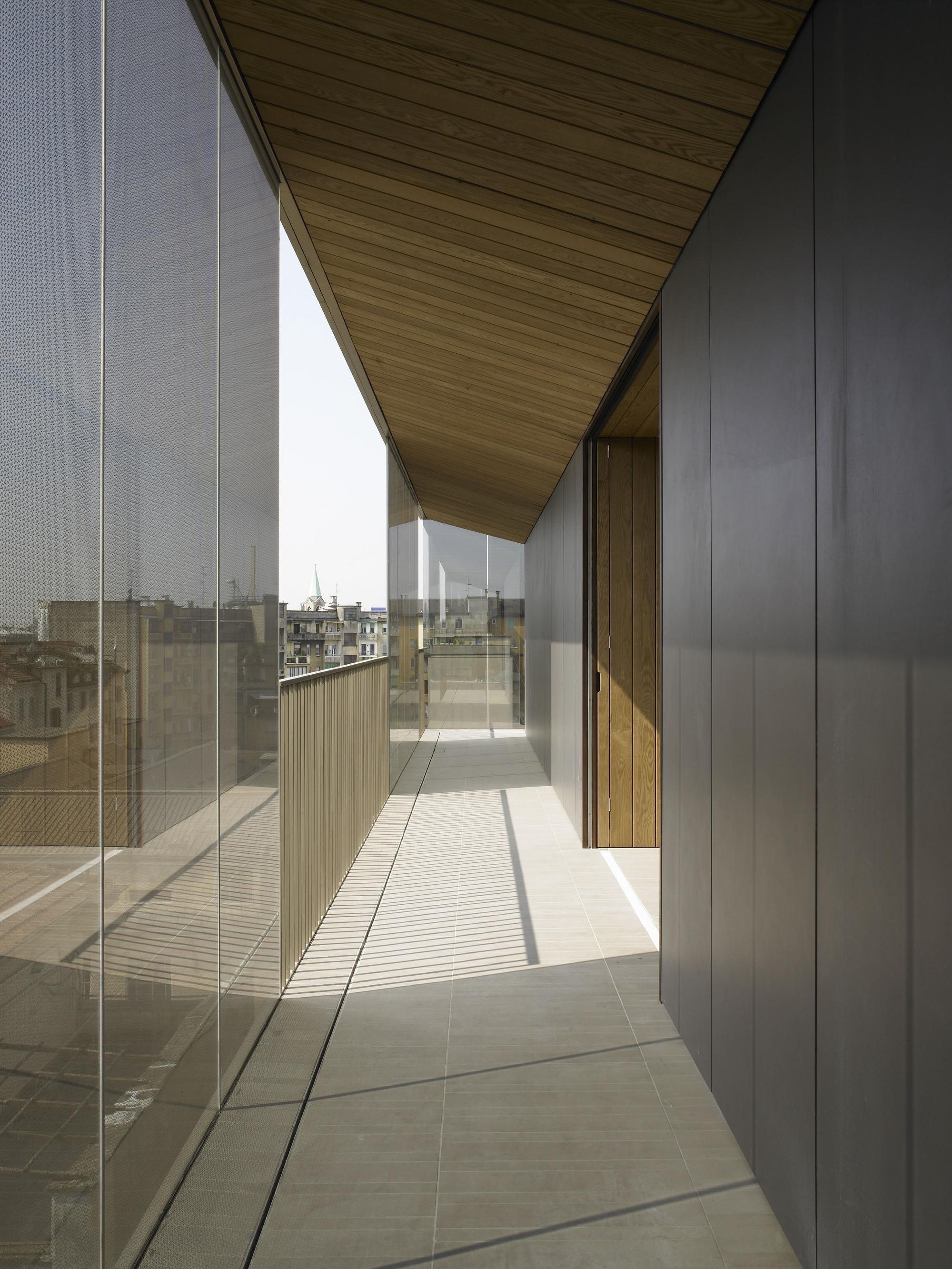 Studio La Sala Milano conversion of a building / antonio citterio patricia viel