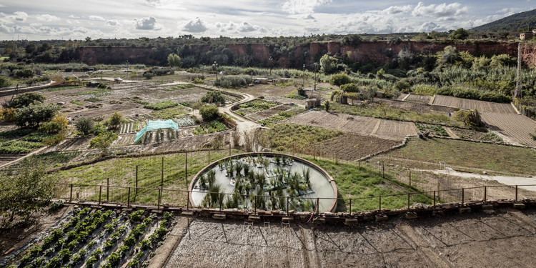 Espanha e Polônia vencem o Prêmio Europeu de Espaço Público Urbano 2016, Recuperação da irrigação das hortas termais / Cíclica + Cavaa Arquitectes. Imagem © Adrià Goula