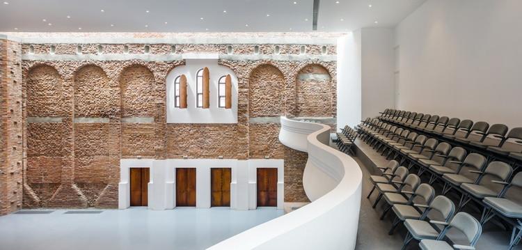 Blaj Cultural Palace Refurbishment / Vlad Sebastian Rusu, © Cosmin Dragomir