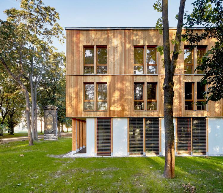 Maison D Education De La Legion D Honneur Belus Henocq Architectes Archdaily