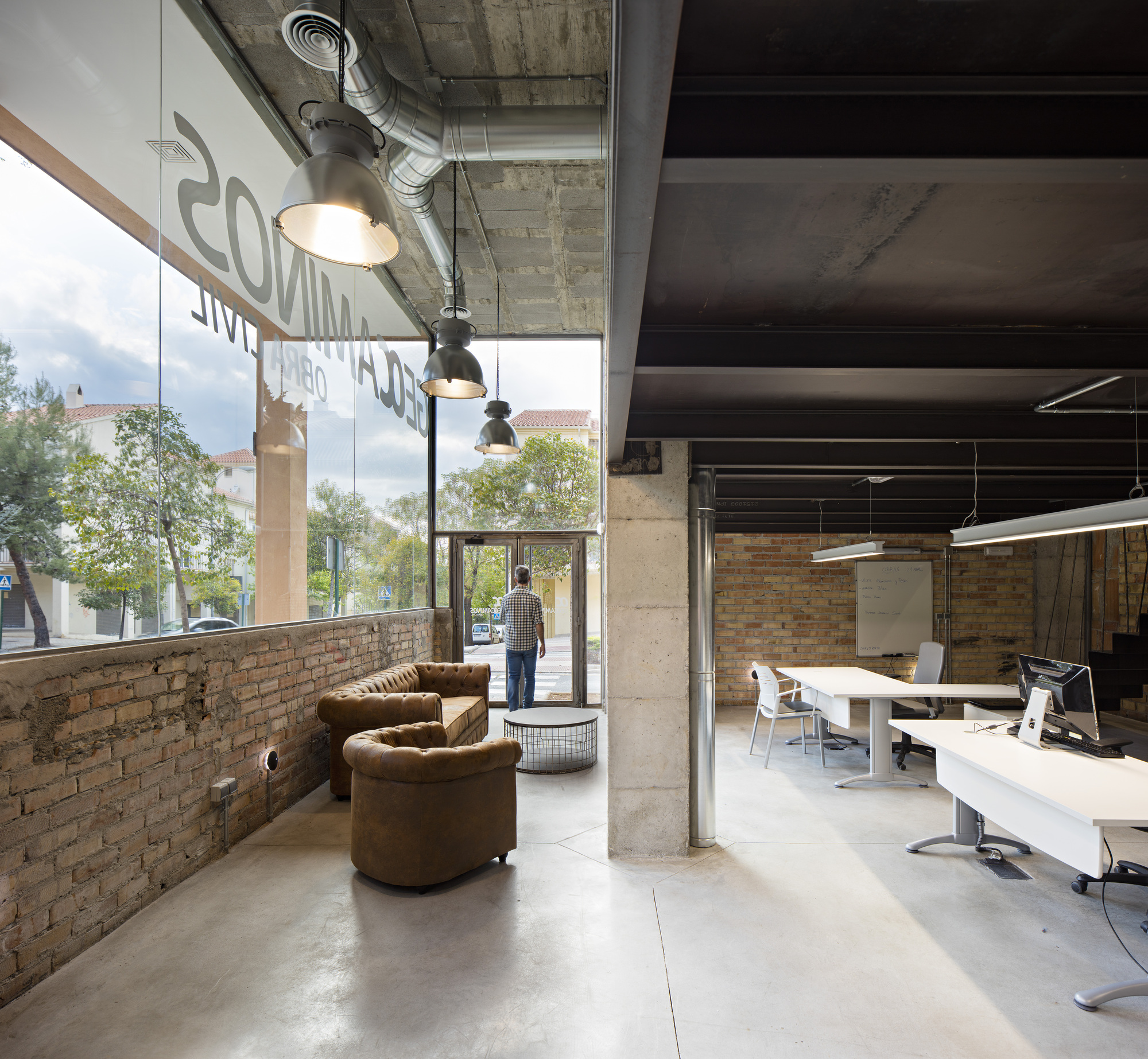Oficinas geocaminos arias recalde taller de arquitectura for Oficinas arquitectura