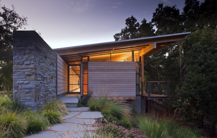 Halls Ridge Knoll Guest House / Bohlin Cywinski Jackson, © Nic Lehoux
