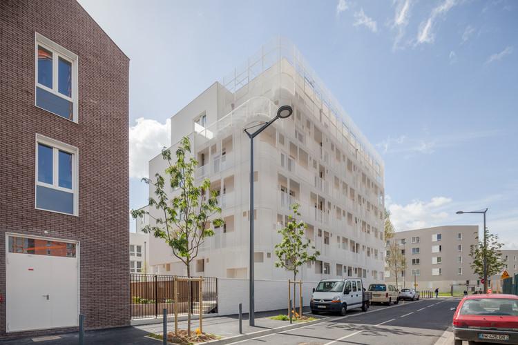 Vigneux-Sur-Seine Housing / Margot-Duclot architectes associés, © 11H45