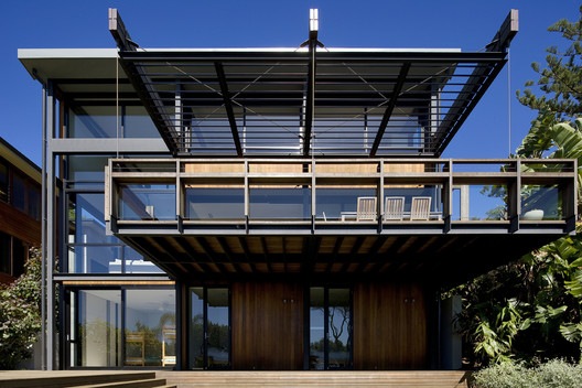 Surf Road House / Nick Bell D&A