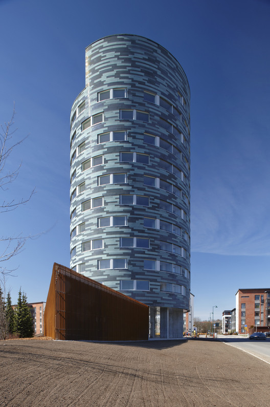 TYS Ikituuri Apartments  / Sigge Arkkitehdit Oy