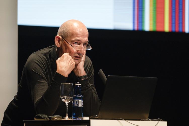 'He tenido muchas tentaciones de meterme en política', dice Rem Koolhaas, Rem Koolhaas en #CambioDeClima, Pamplona. Image © Miguel de Guzmán