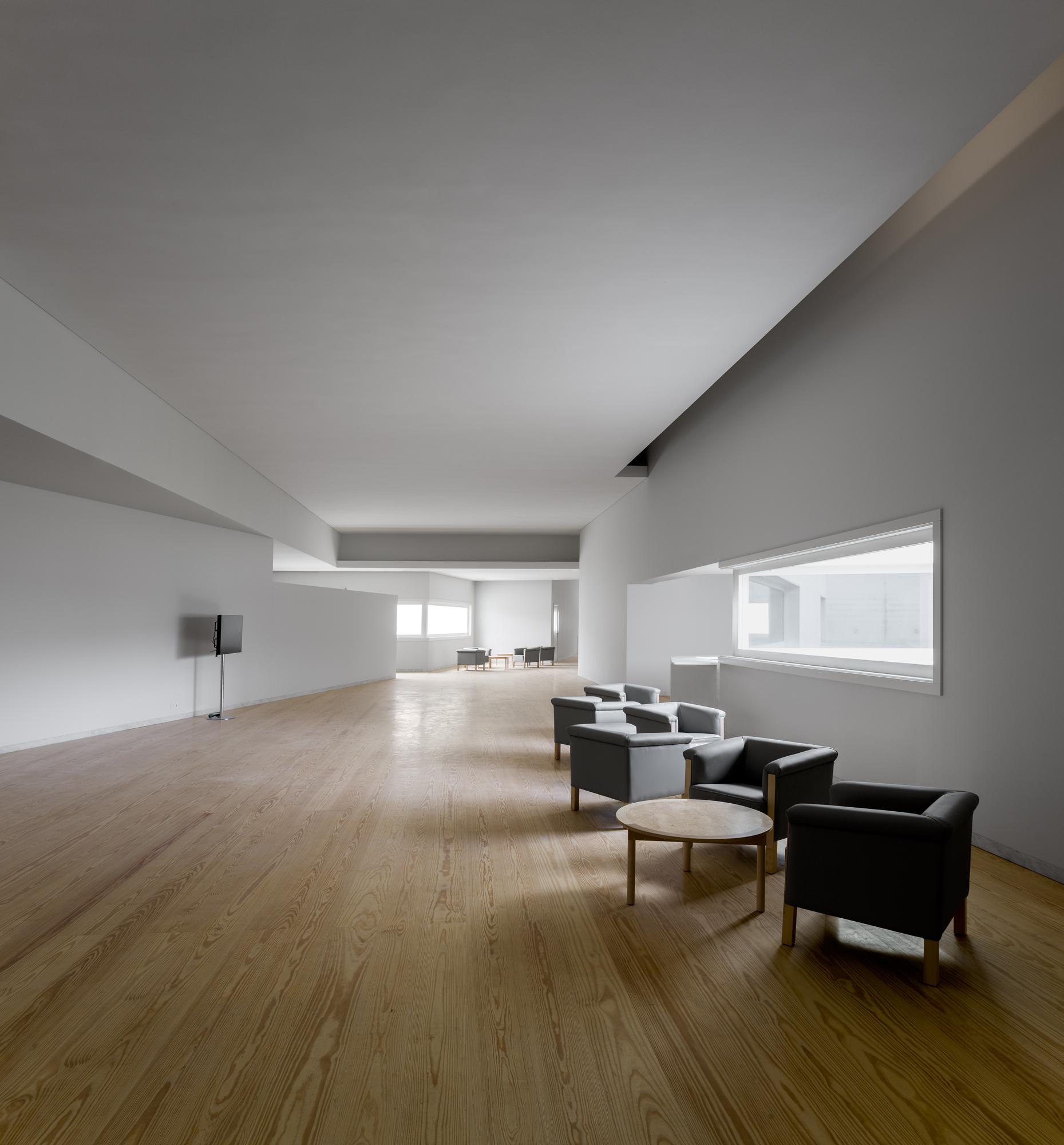 Gallery Of Nadir Afonso Contemporary Art Museum 193 Lvaro Siza Vieira 24