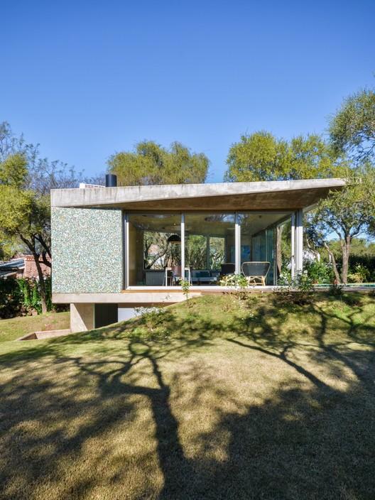 Casa en el Bosque / GRUPOURBAN Arq., © Gonzalo Viramonte
