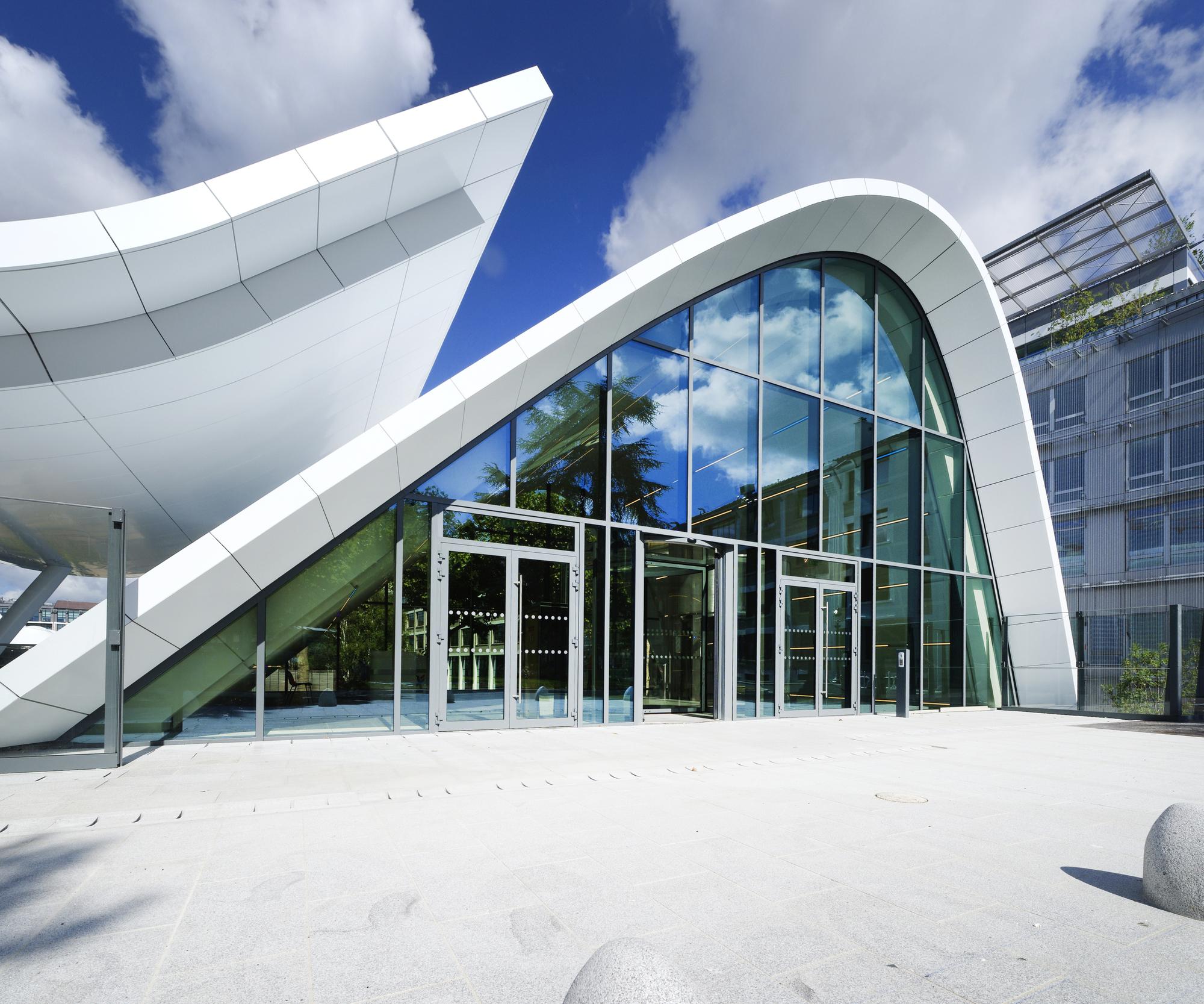 Galer a de pabell n campus evergreen arte charpentier for Accesos arquitectura