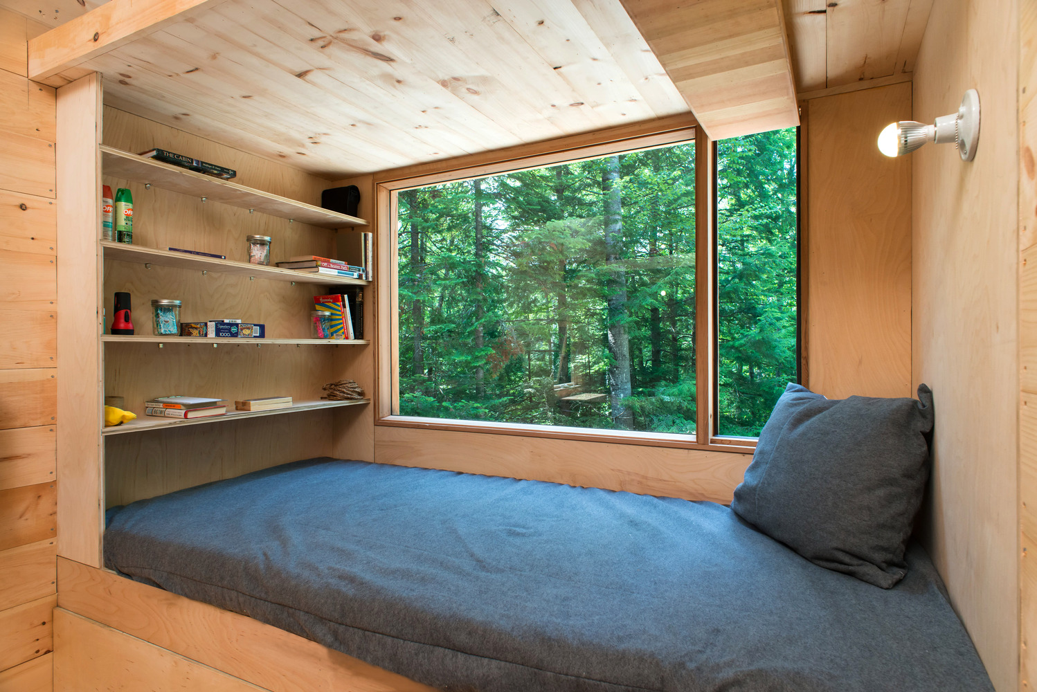 """Gallery of A Tiny Luxury: What are """"Tiny Houses"""" Really Saying About  Architecture? - 15"""