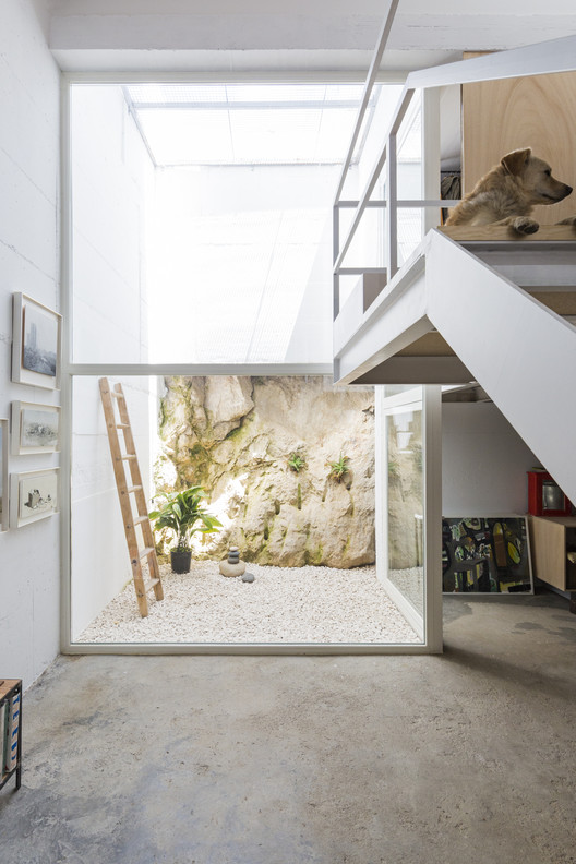 House for a Painter  / DTR_studio architects, © Cristina Beltrán