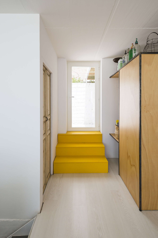 galeria de resid ncia para um pintor dtr studio architects 7. Black Bedroom Furniture Sets. Home Design Ideas