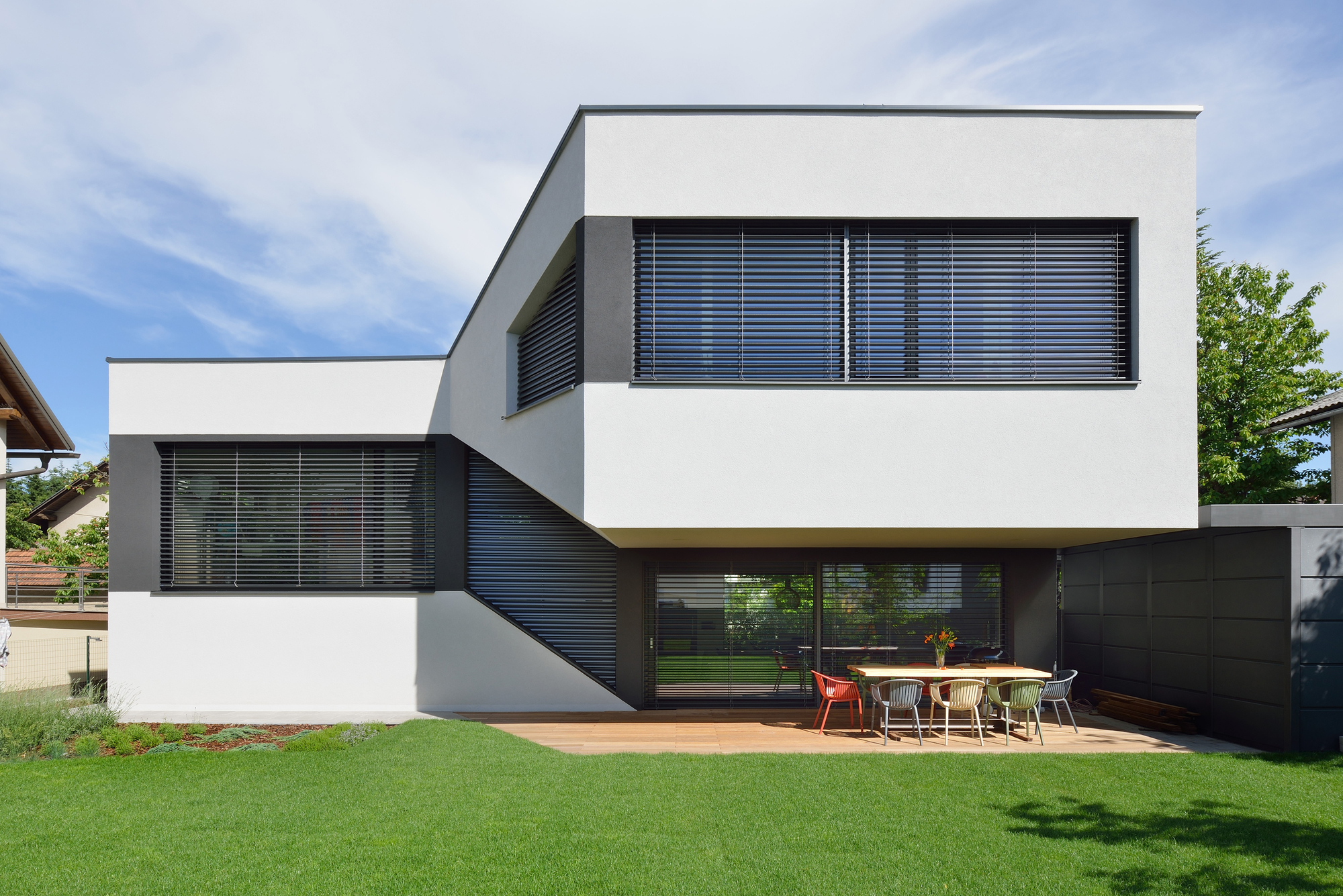 Gallery of mezzanine house elastik architecture for Mezzanine architecture