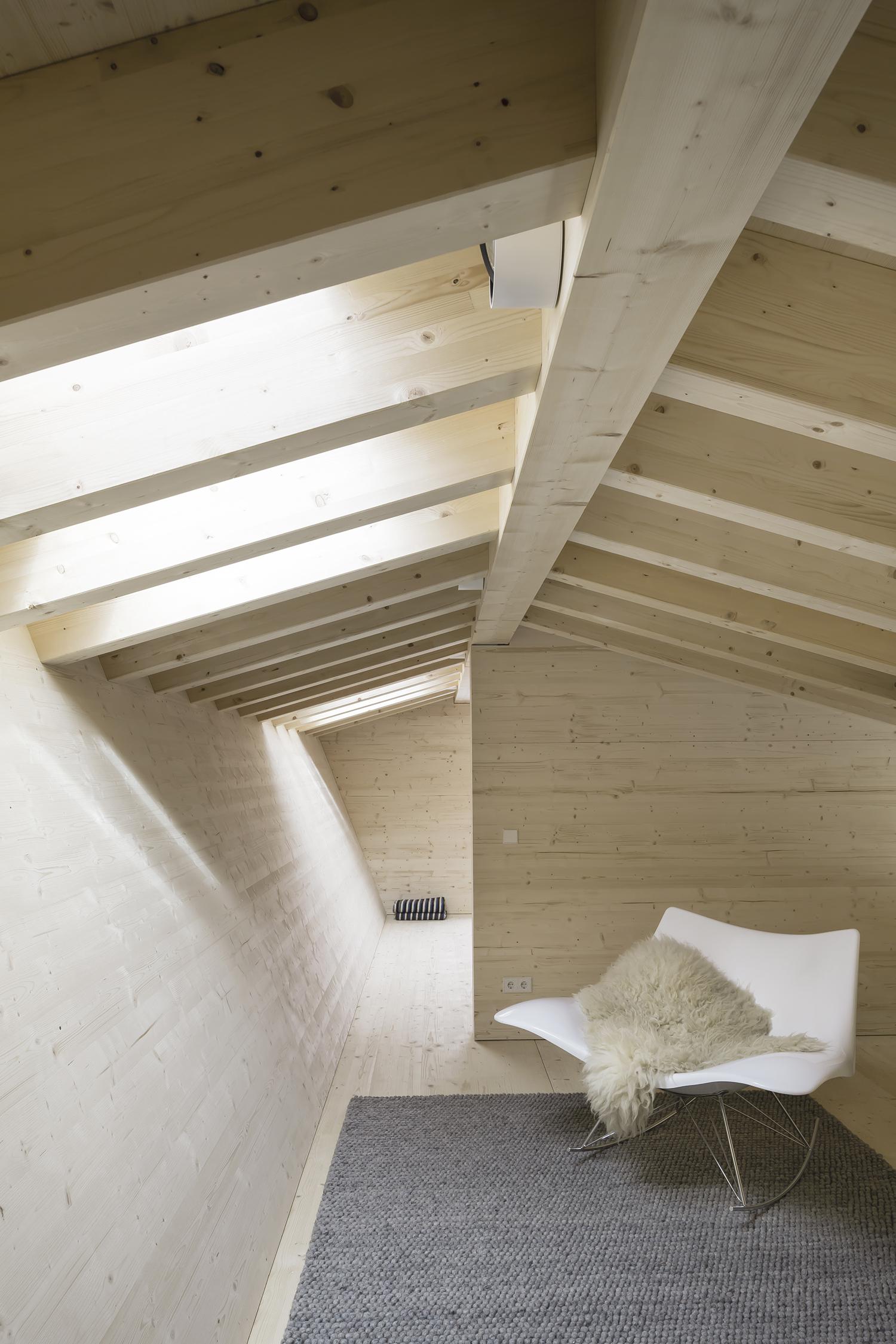 gallery of house p yonder architektur und design 30. Black Bedroom Furniture Sets. Home Design Ideas