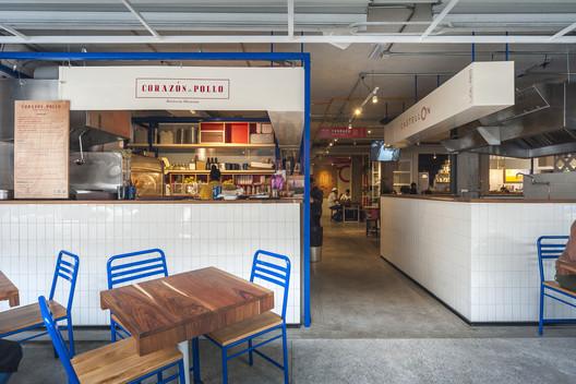 Mesa Nápoles Food hall / Estudio Atemporal