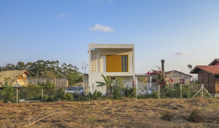 Casa de los Búhos   / Alexandra Demenighi + Rodrigo Vargas Souza, © Mauro Goulart Fotografia