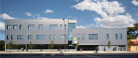 Moving Everest Charter School  / Team A
