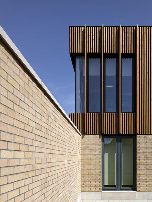 Wood Cladding Elevation : Thistle dreid archdaily
