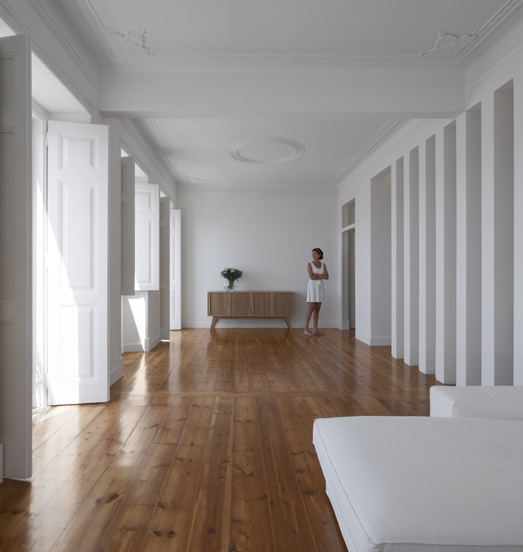 Dafundo Apartment / João Tiago Aguiar Arquitectos, © Fernando Guerra | FG+SG