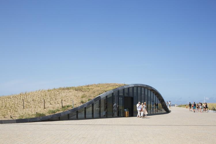 Parqueo subterráneo Katwijk aan Zee / Royal HaskoningDHV, © Luuk Kramer