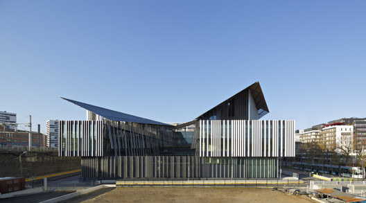 Macdonald Public Facility Complex  / Kengo Kuma & Associates