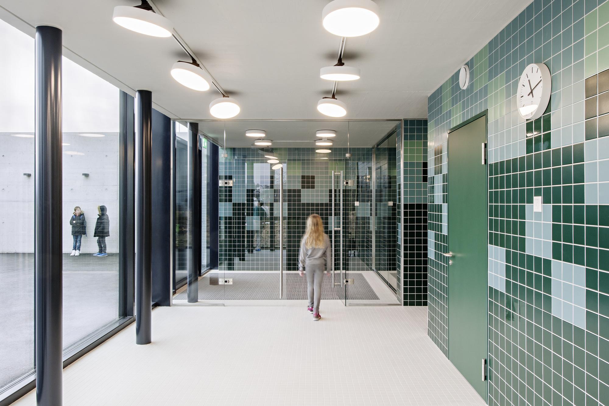 Gallery of swimming pool allmendli illiz architektur 13 - Schwimmbad architektur ...