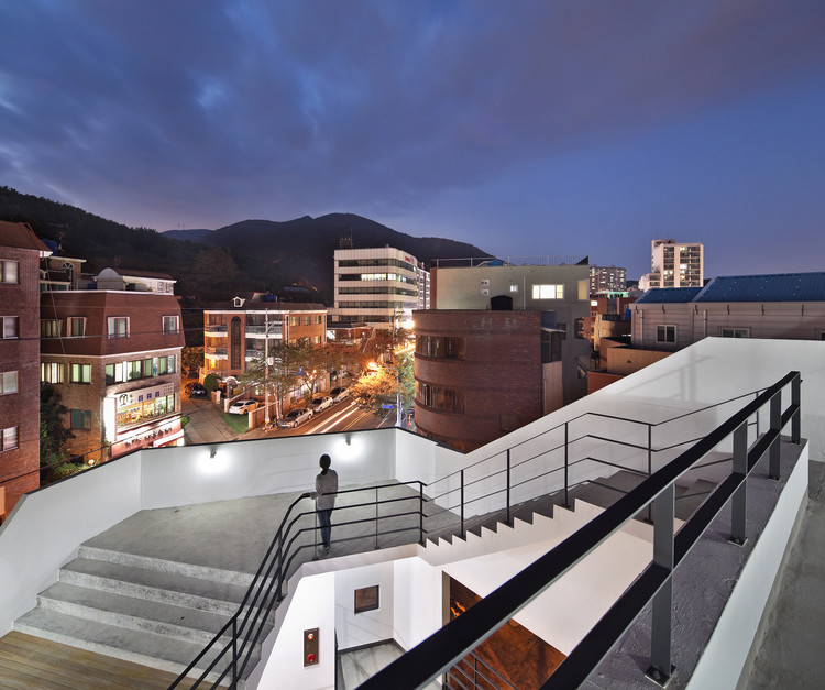 Patio Namsan / Architects Group RAUM, © Yoon Joon-hwan
