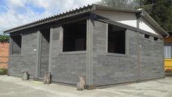 Esta casa foi construída com tijolos de plástico reciclado em apenas 5 dias