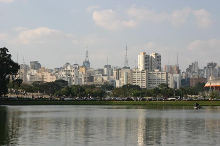 Arquitetas conquistam paridade na composição de chapa para o processo eleitoral do Sindicado dos Arquitetos de São Paulo, Skyline de São Paulo. Image © Thomas Hobbs, via Flickr. Licença CC BY-SA 2.0