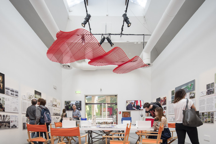 Bart Lootsma Dissects, Unpicks and Evaluates the 2016 Venice Biennale, One installation of the Central Pavilion, curated by Alejandro Aravena. Image © Laurian Ghinitoiu