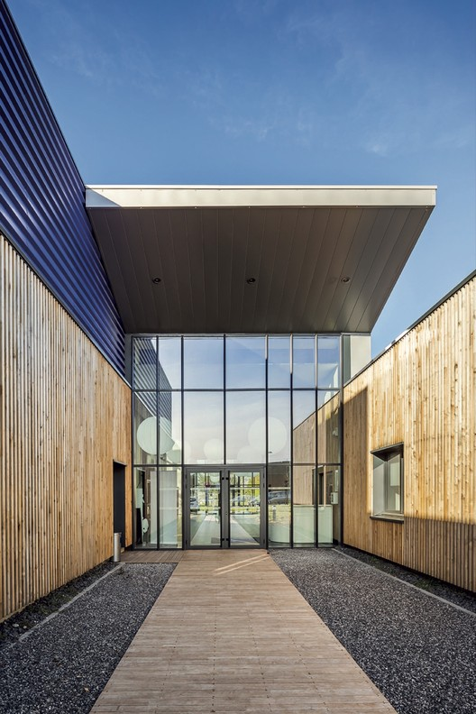 Training Center in Carvin  / Atelier 2+1 Architectes, © Sergio Grazia