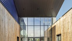Training Center in Carvin  / Atelier 2+1 Architectes